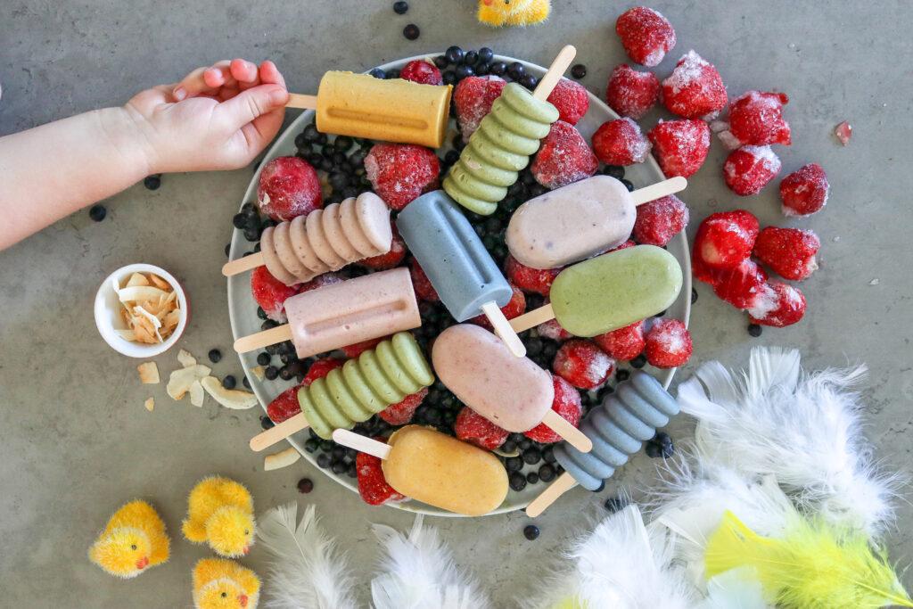 Fruktglassar till påsk. Helt naturliga ingredienser, utan vitt socker och mjölk.