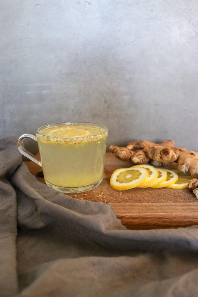 Ingefära- och citronvatten