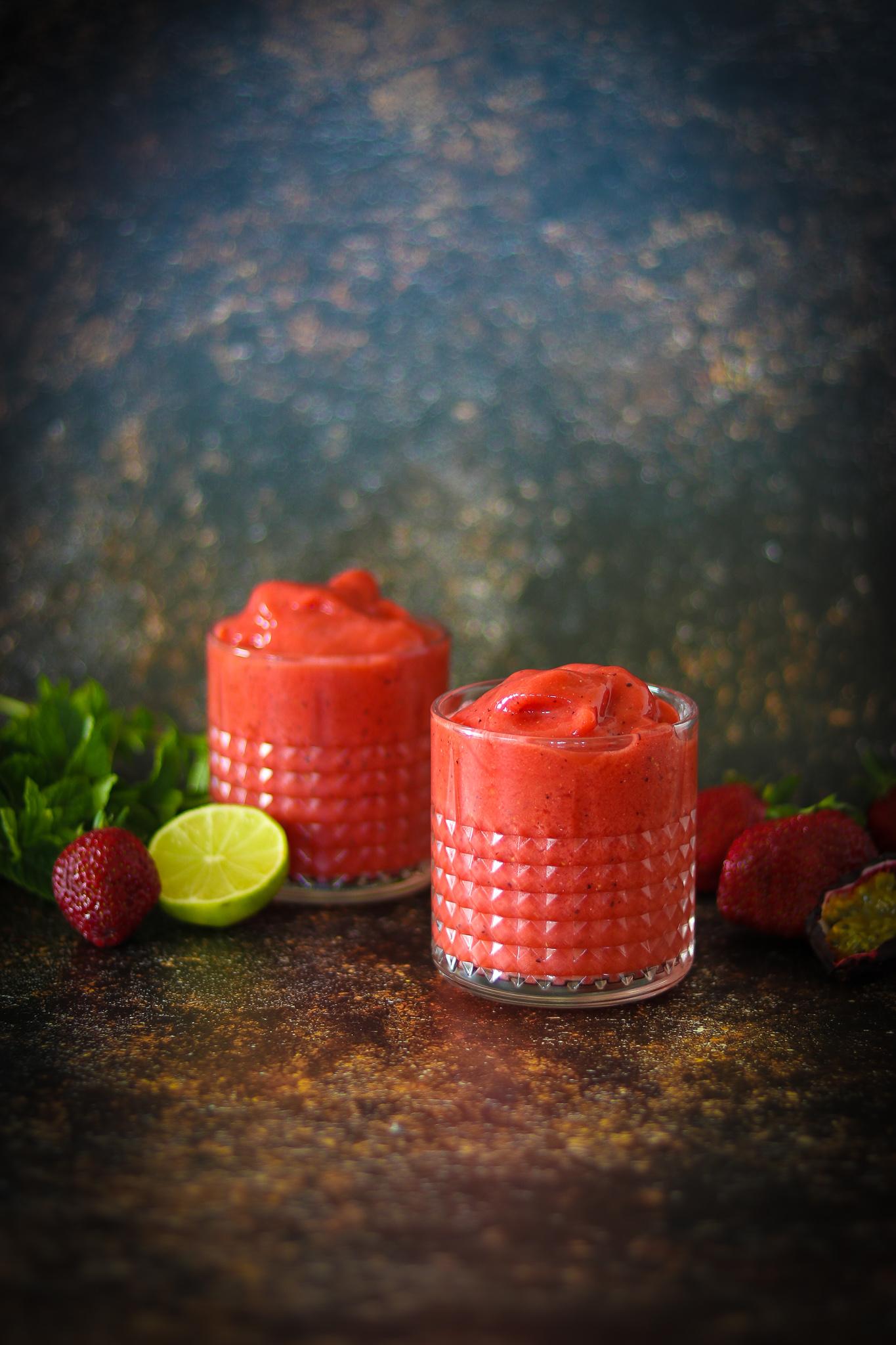 Syrlig vattenmelon- & jordgubbsdrink