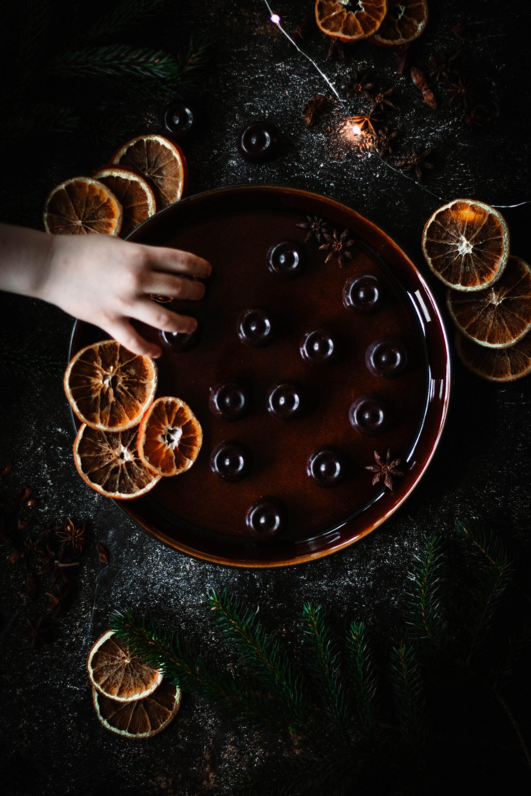 Mjölkfri apelsinpralin fri från vitt socker