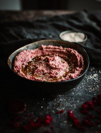 hummus med syrad rödkål